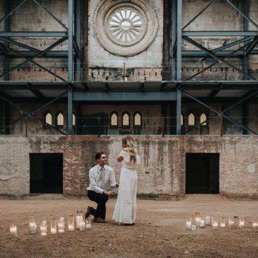 Романтичное предложение руки и сердца в замке