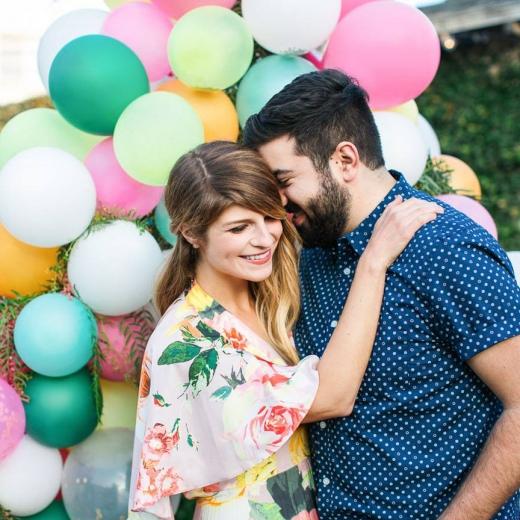 Предложение с яркими воздушными шарами